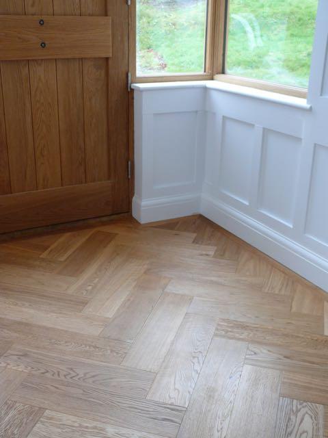 Oak herringbone blocks parquet wood flooring european oak for Wood floor knocking block