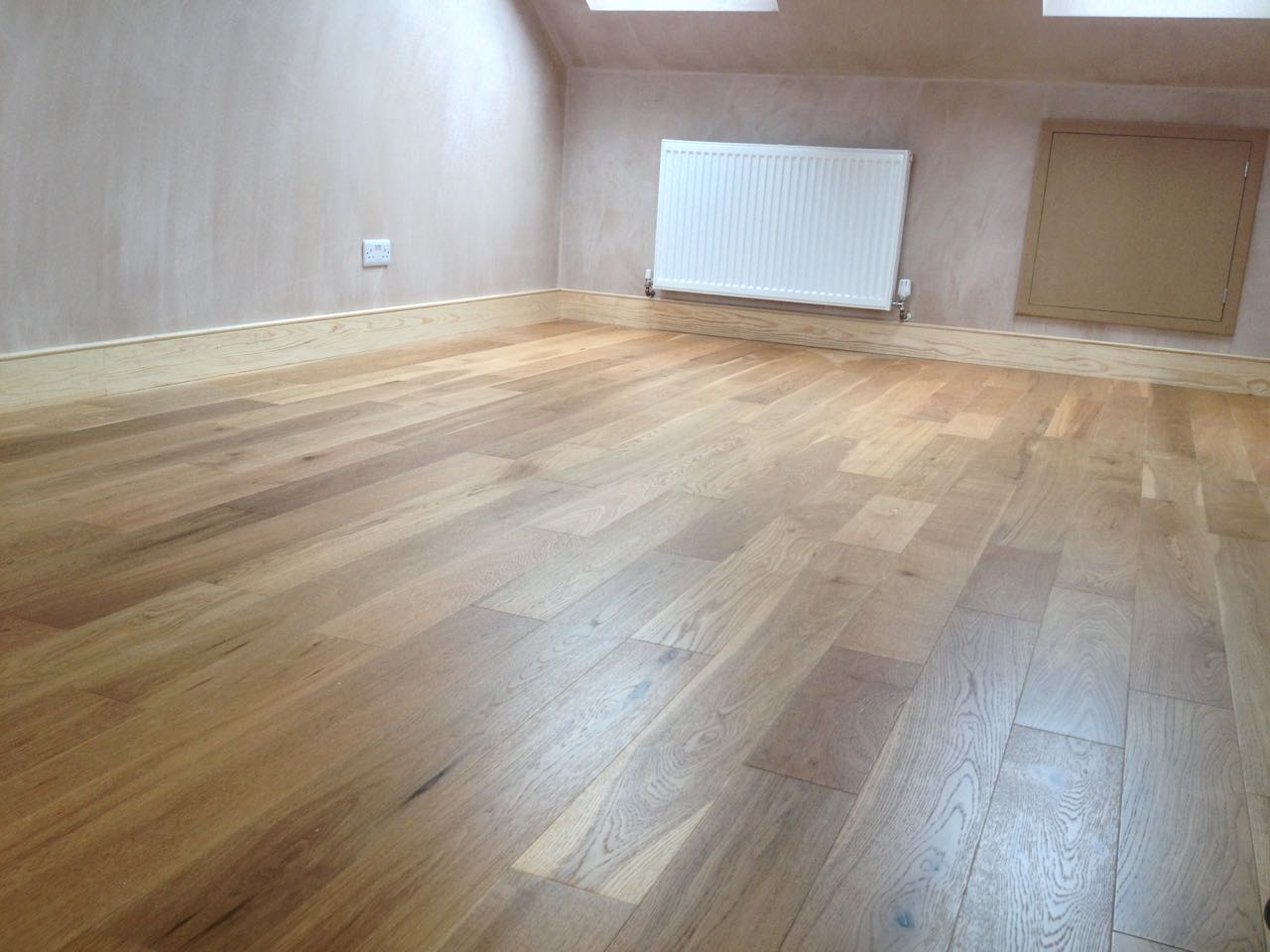 Real wood engineered click wood flooring real wood floors for Click hardwood flooring
