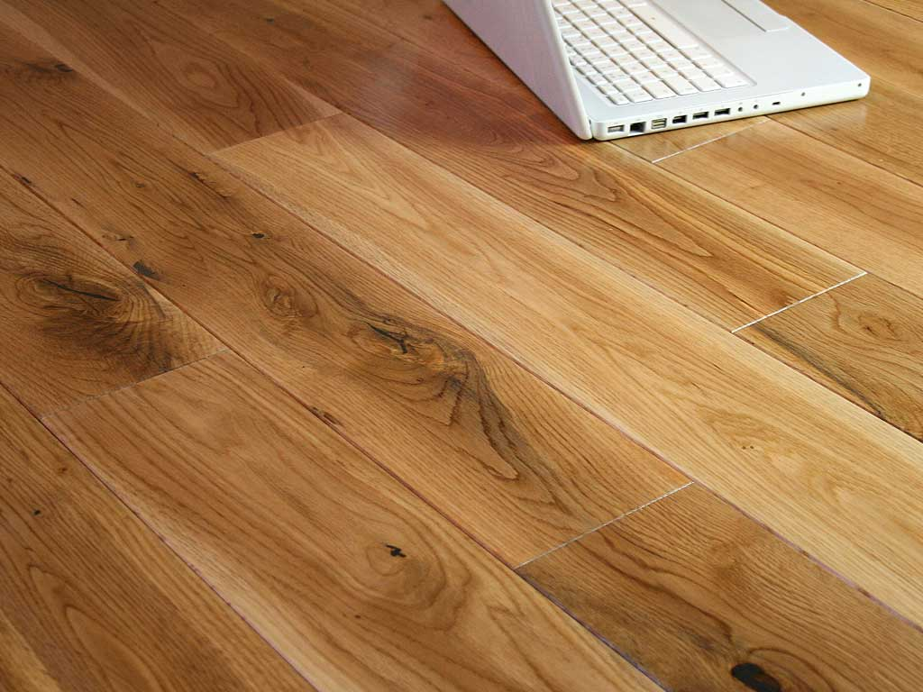Solid oak wood flooring solid oak flooring real wood for Solid oak wood flooring