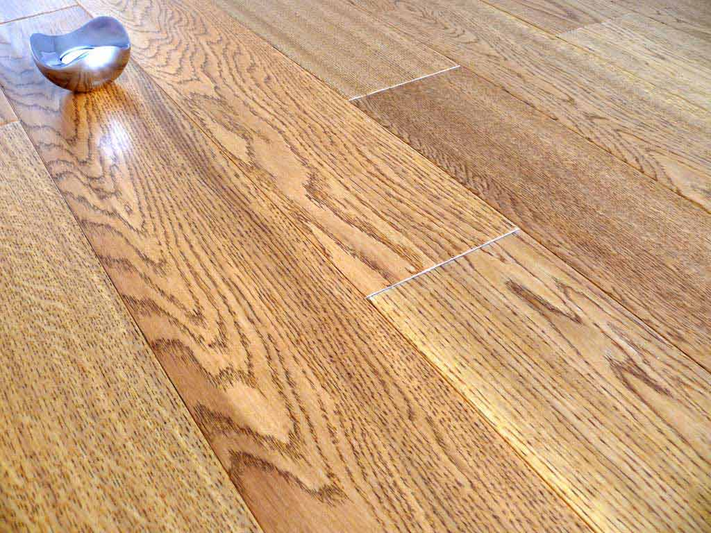 Golden hand scraped lacquered oak hdf engineered click for Cheap engineered wood flooring