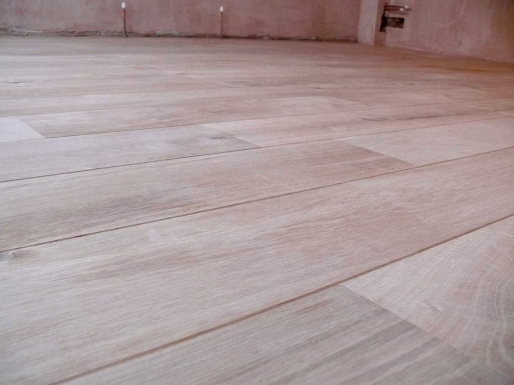 Unfiished engineered european oak wholesale trade for Cheap engineered wood flooring